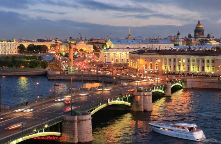 Mengunjungi Petersburg dengan tradisi, festival, mentalitas dan gaya hidup