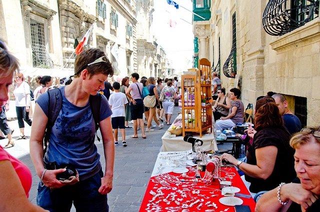 Tradisi, Kekayaan, dan Warna serta Makanan dan minuman di Malta